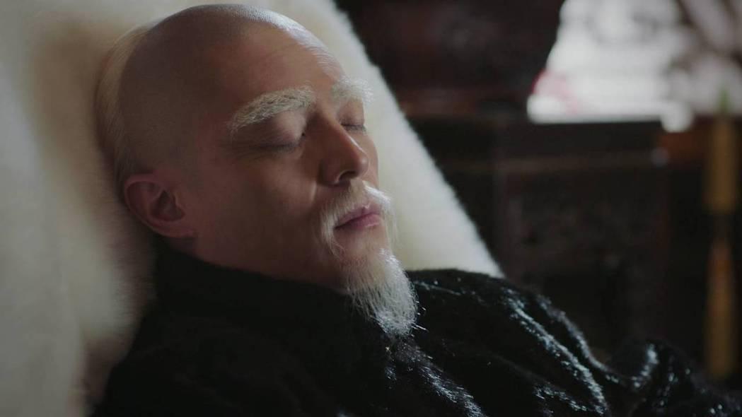 霍建華最後成了「太上皇」老死。圖/截圖自愛奇藝台灣站