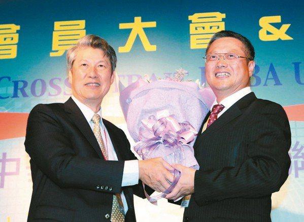 嘉彰董事長宋貴修(左) (本報系資料庫)