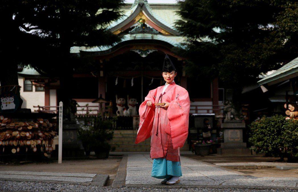 雖然宮司沒有規定必須由男性擔任,但最近仍出現了不少神社本廳否決女性繼承宮司職位的...