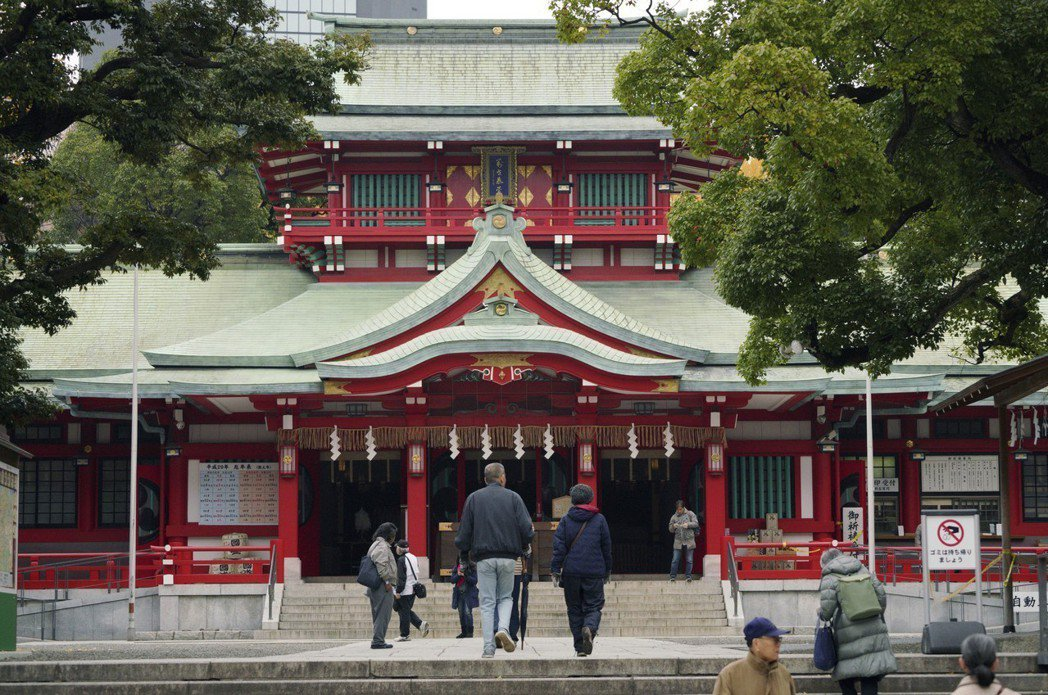 富岡八幡宮是位於東京的歷史悠久神社,更是號稱神事相撲起源的聖地。 圖/路透社
