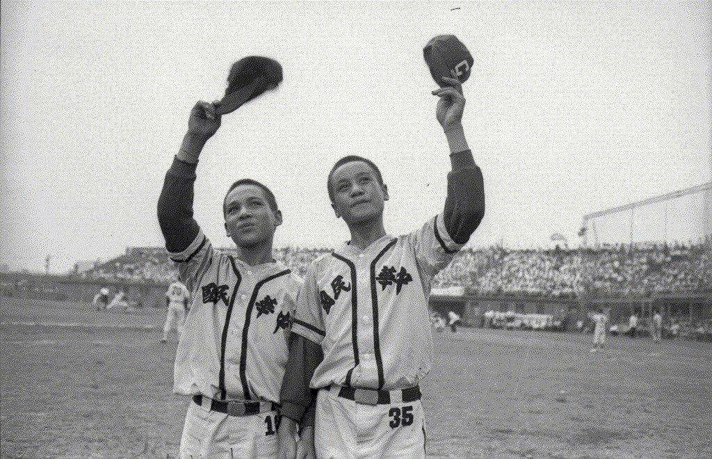 1968年8月,紅葉少棒擊敗來訪的日本關西球隊,掀起紅葉神話。 圖/聯合報系資料...