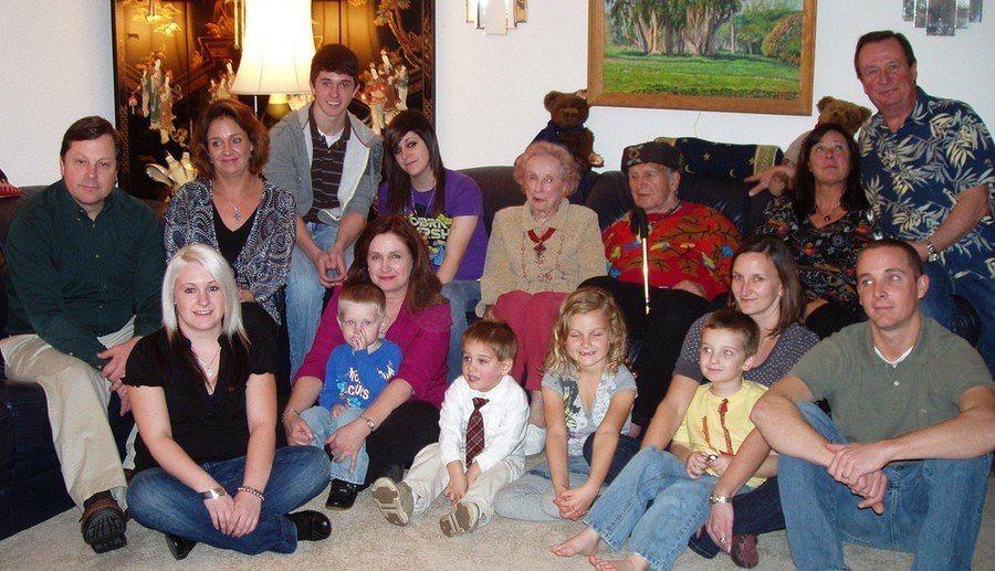 研究顯示,家族成員愈多,越不容易罹患癌症。(Photo by Janice Wa...