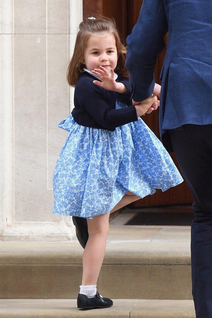 夏綠蒂公主經常穿碎花洋裝。圖/摘自hollywoodlife.com