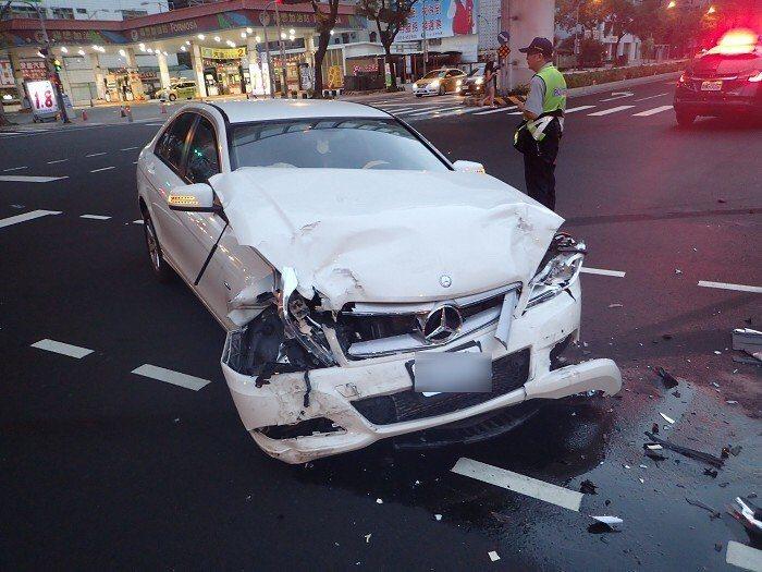 警方提醒,在車禍現場多做一些舉動,就能說服法官自己沒有肇逃犯意。圖/聯合報系資料...