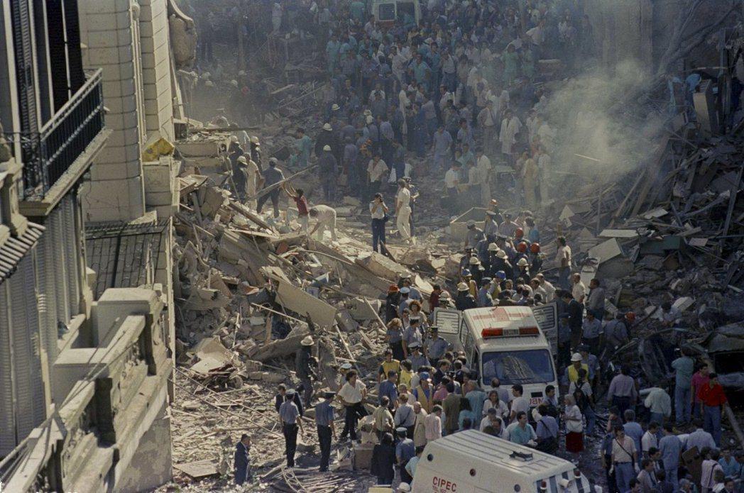 1992年的以色列駐阿根廷使館爆炸案造成29人死亡。(美聯社)