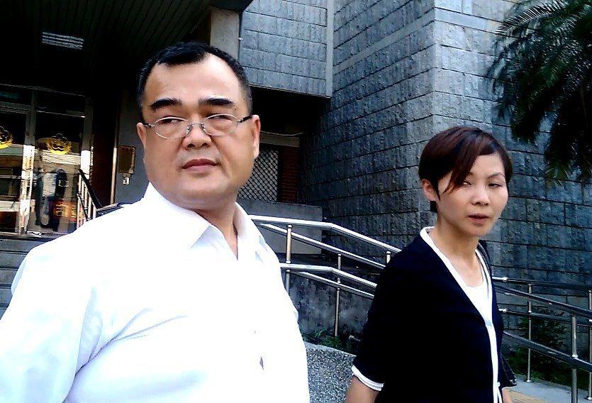 林益世當年向法官說「我忘了收了多少錢」,他的妻子彭愛佳也陪同出庭。圖/聯合報系資...