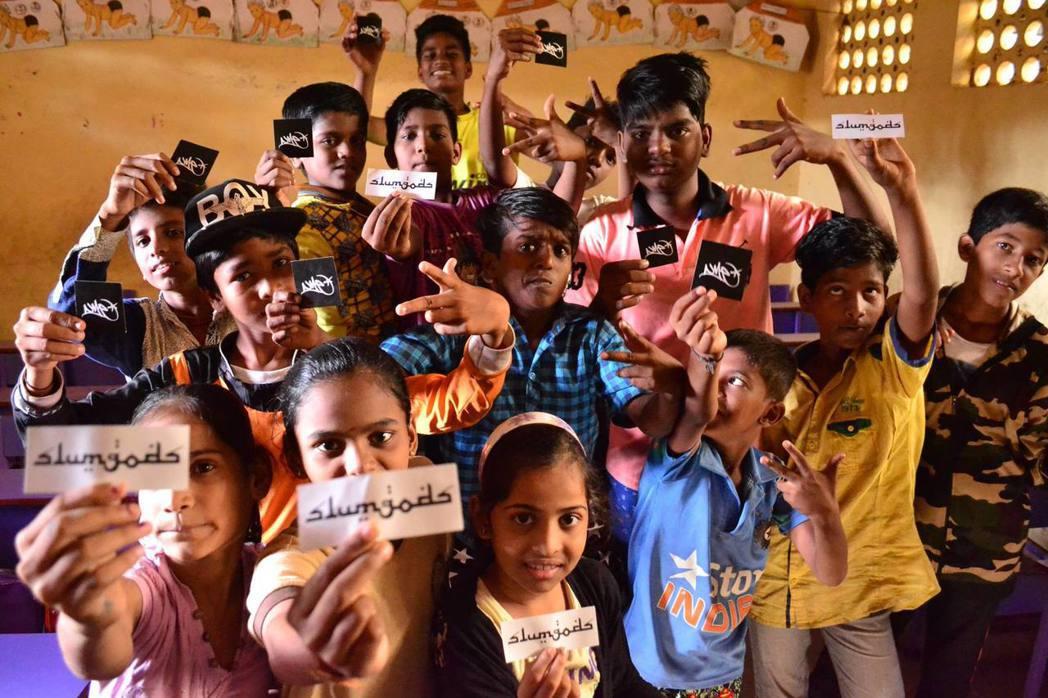「我們提供這樣的活動不僅是為了協助孩童擺脫貧困的循環,更重要的是讓他們知道如何向...