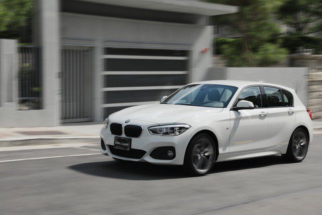 全新BMW 1系列完美演繹同級唯一後驅的操控魅力。 圖/汎德提供