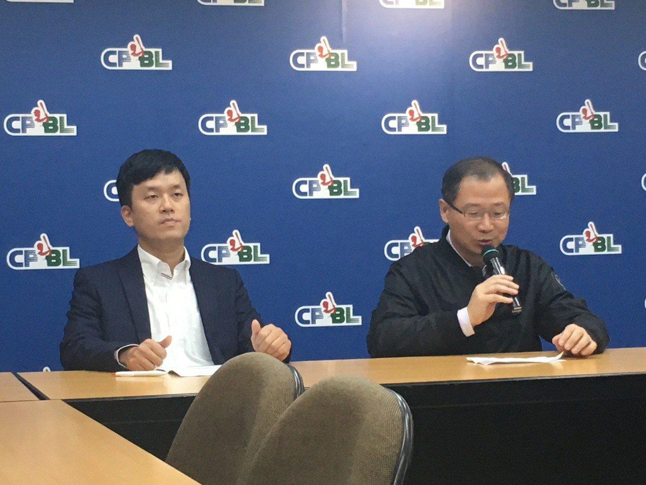 猿隊領隊劉玠廷及中職會長吳志揚共同出席記者會。記者葉姵妤/攝影