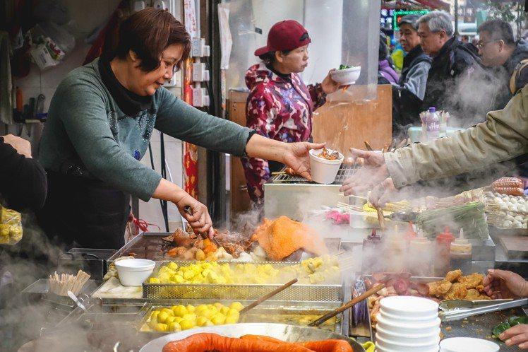 香港擁有多元美食魅力,從米其林到街頭小食應有盡有。圖/港旅局提供