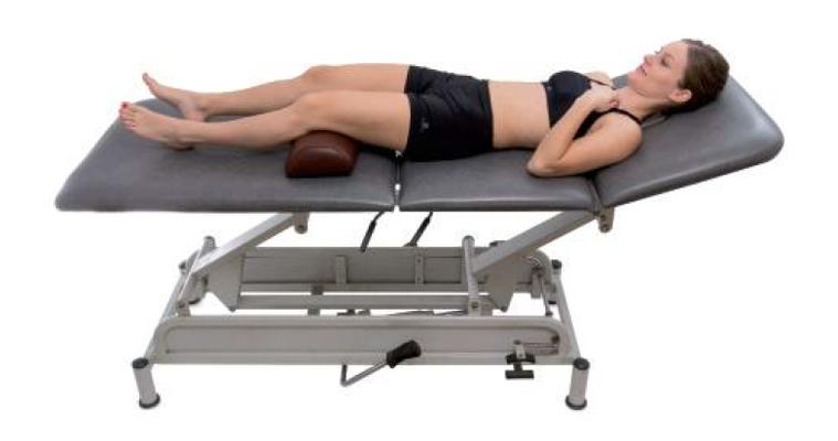 2 平躺 圖╱摘自《肌筋膜徒手按摩解剖書:5大部位x 10種手法x 7道程序,紓...