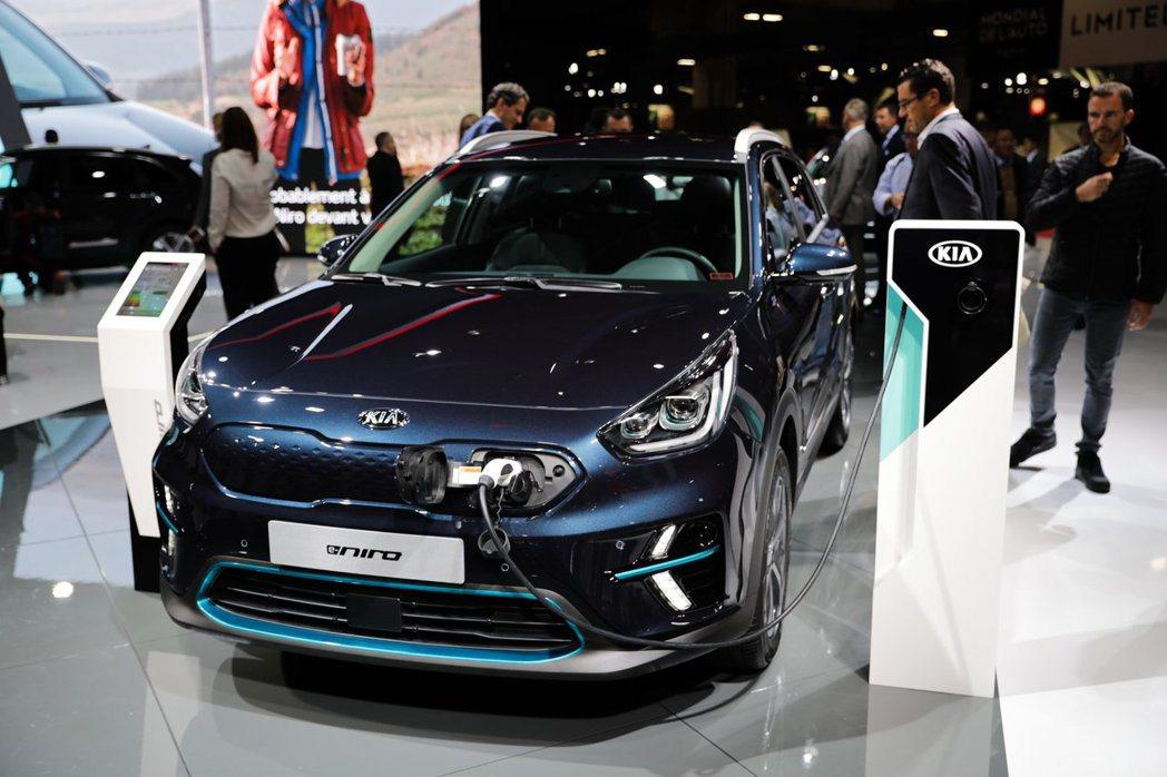 歐規Kia e-Niro日前在巴黎車展中正式發表。 摘自Kia