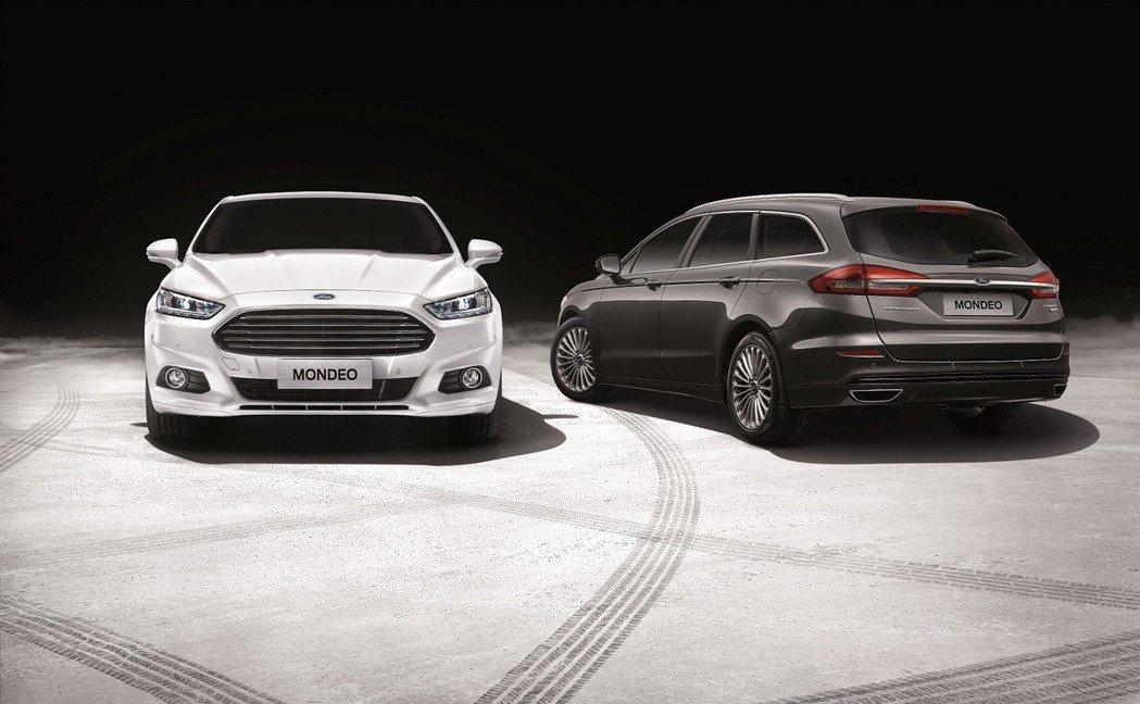 2019年式Ford Mondeo Wagon導入全環式LED光條尾燈及尾門鍍鉻...