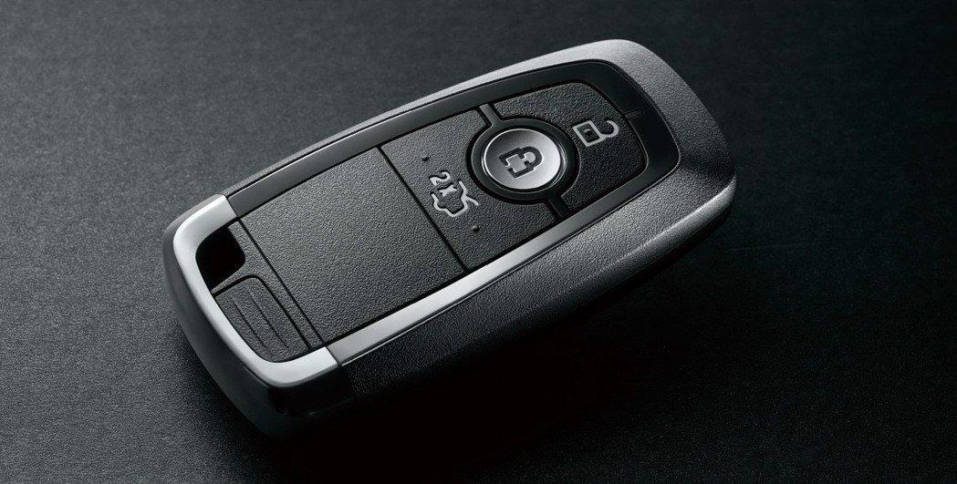 2019年式Ford Mondeo導入全新鑰匙外觀設計。 圖/Ford提供