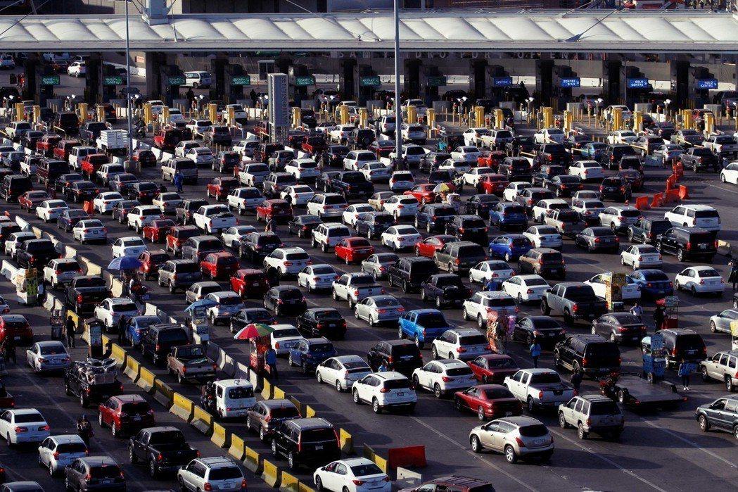 由於加拿大生產成本高,車廠更樂意選擇成本低廉的墨西哥。然而USMCA關於勞工平均...