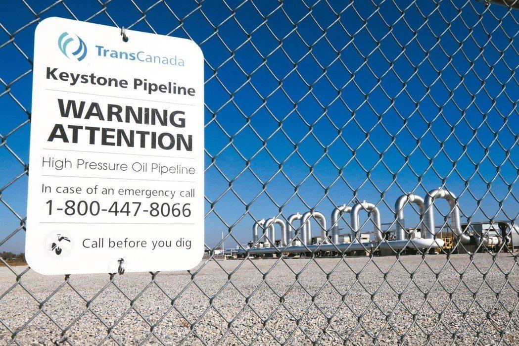 2016年美加合作的「基石油管」(Keystone XL)計畫遭否決後,加拿大輸...