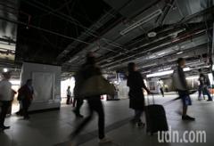 影/台北車站跳電 部分區域黑壓壓一片