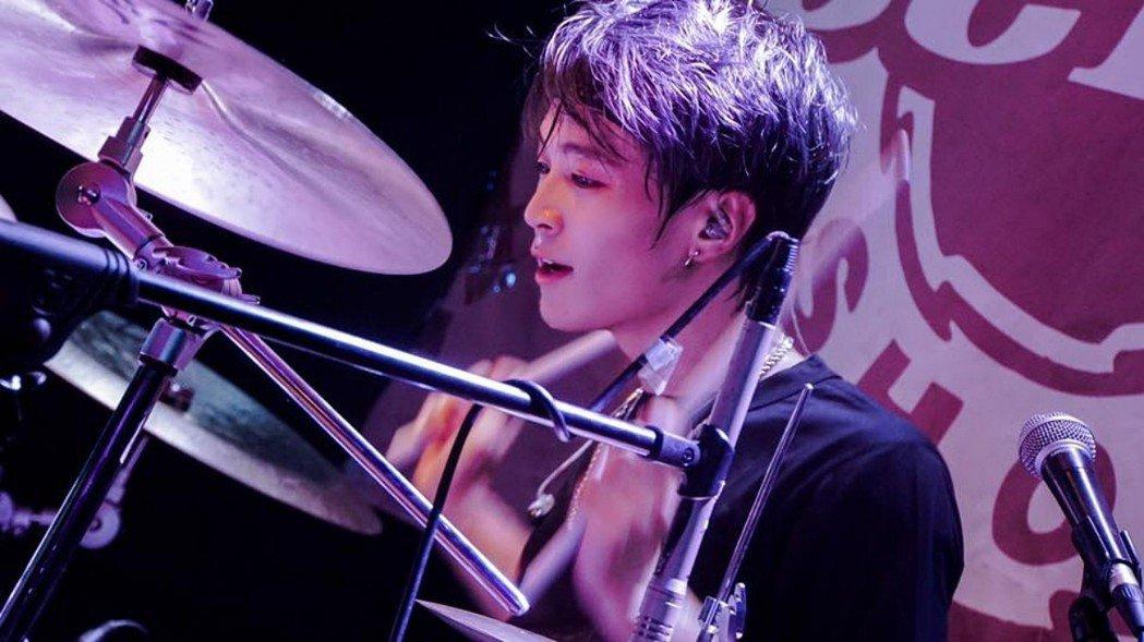樂團「葡萄不憤怒」鼓手陳勃翰。圖/極光森林提供