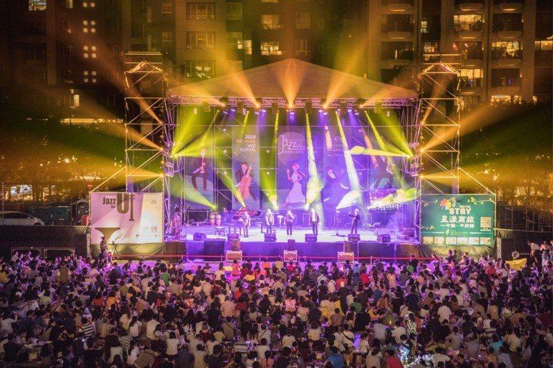 台中爵士音樂節今年邁入第16年,參與人次逐年增加,今年開幕當晚吸引16萬人次,讓國外樂手很驚嘆。圖/主辦單位提供