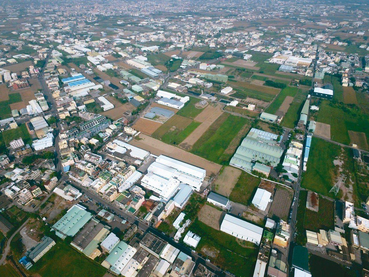 彰化縣農地工廠如何處理成為縣府的燙手山芋。 圖/彰化縣環保聯盟提供