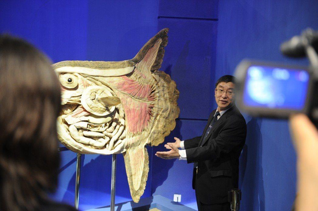 2004年成立的中國大連鴻峰生物科技公司,創辦人是與馮.哈根斯有「師徒關係」的隋...