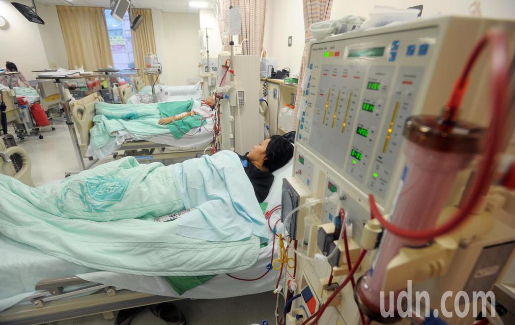 洗腎示意圖,圖中人物與新聞無關。聯合報系資料照/記者陳易辰攝影