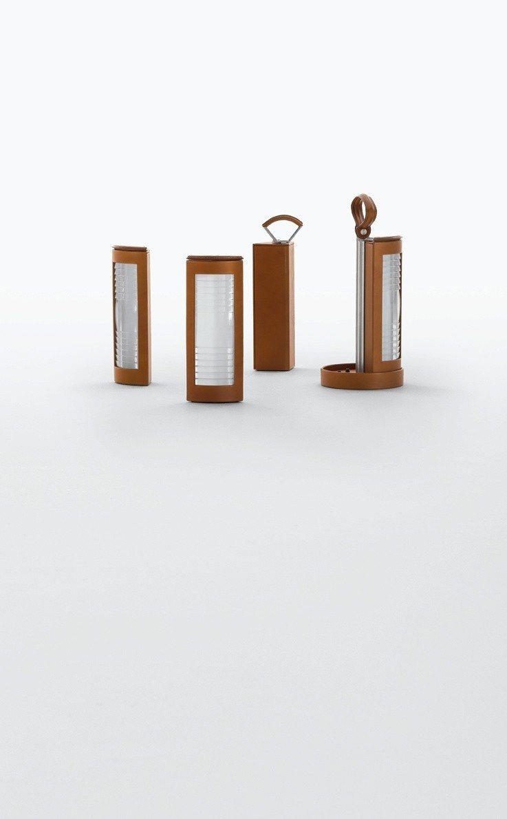 以燈塔為靈感的 Lanterne d'Hermès 系列提燈,59萬7,500...