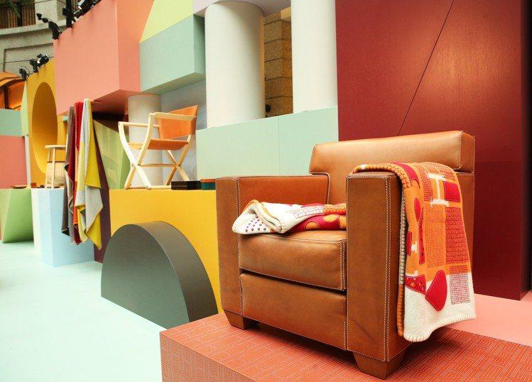 開啟愛馬仕傢俱系列的經典之一 Jean-Michel Frank 系列單人扶手沙...