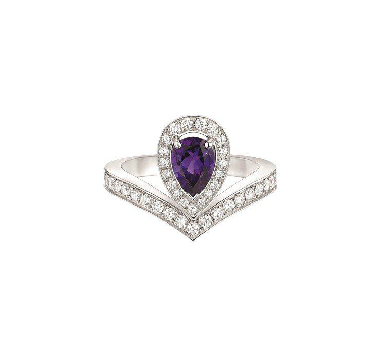 Joséphine Aigrette 18K白金紫水晶戒指,22萬8000元。...
