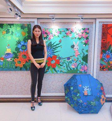 偶像劇中貴婦媽媽專業戶的女星米凱莉,私下是才女,與中信資產管理公司、台灣彩券董事吳春台婚後生活低調,近年重心轉往藝術圈發展、潛心作畫。她的畫風自然鮮豔,充滿大自然和童趣風,在藝術界深受歡迎,這2年在...