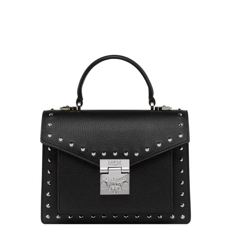 MCM Patricia鉚釘裝飾黑色手提肩背包,售價34,000元。圖/MCM提...