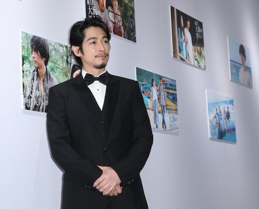 藤岡靛昨天宣傳電影「來自大海的男人」。記者林澔一/攝影 林澔一