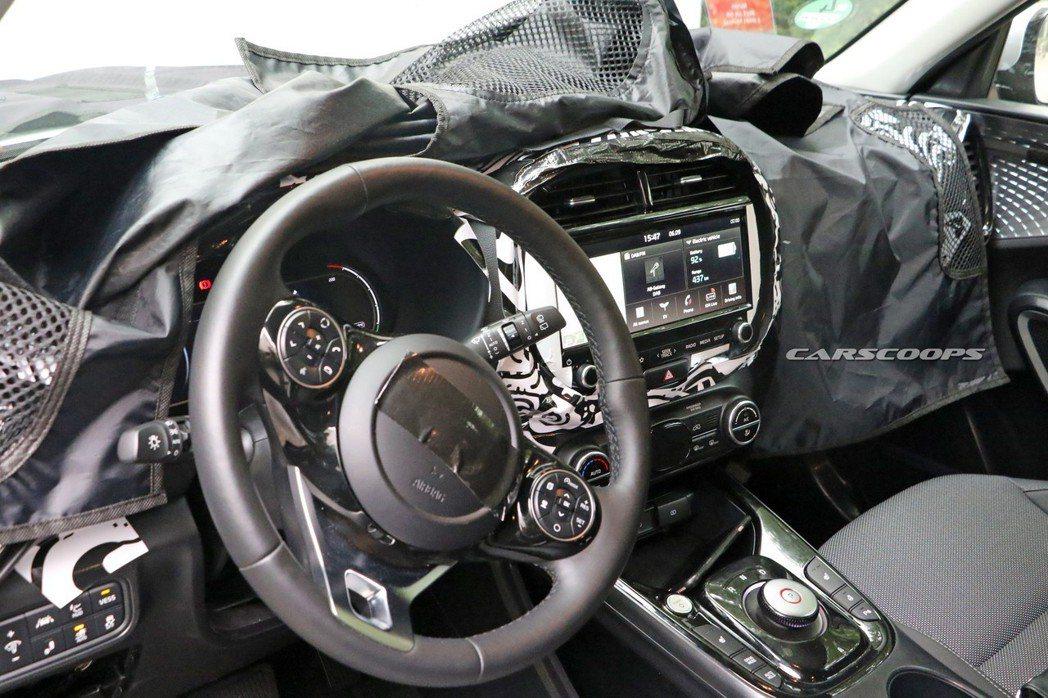 新世代Kia Soul EV內裝無偽裝照。 摘自Carscoops