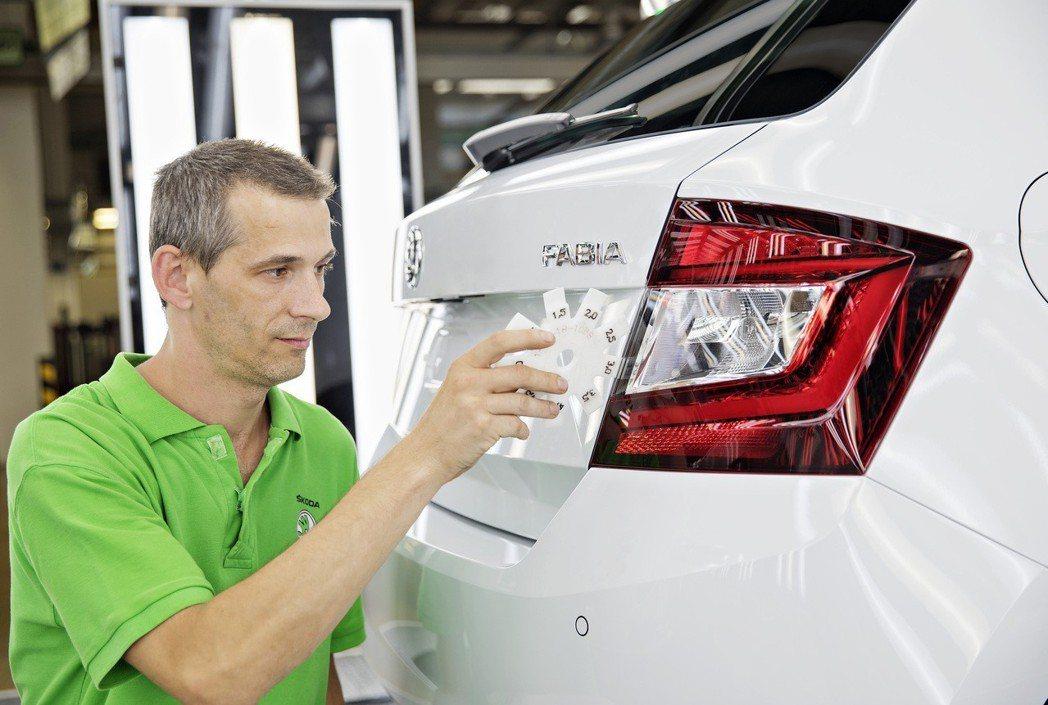 ŠKODA今年產出的第一百萬輛新車為白色塗裝的Fabia。 摘自ŠKODA