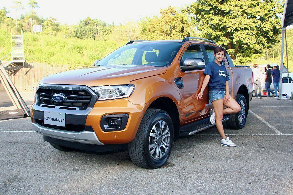 Ford Ranger已經來到二次小改,不過變動規模卻比上次還要廣泛許多,包括引擎、變速系統、駕乘感受、車艙寧靜度、內裝質感等皆有感進化。 記者張振群/攝影