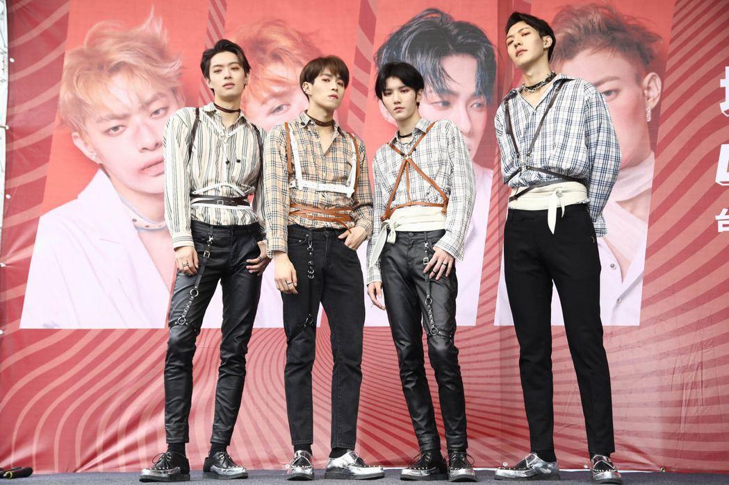 ONER 20日在西門町舉辦簽唱會。圖/坤音娛樂提供