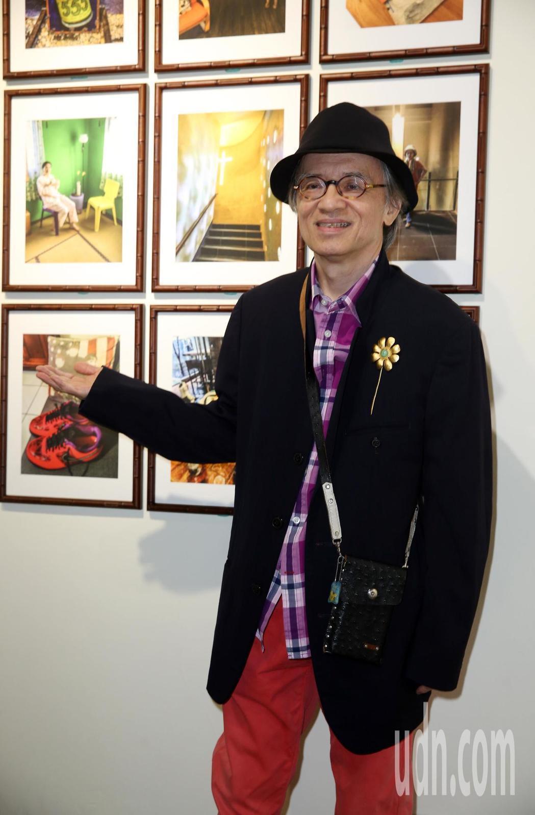 鄧志鴻透過鏡頭傳達愛意。記者曾吉松/攝影