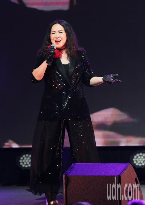 鐵肺搖滾歌后蘇芮今晚開唱,並在陶晶瑩的主持下以一連數首經典歌曲,讓歌迷重溫七零年代的美好回憶,她並與來自屏東的大學生謝嘉全一同合唱提攜後輩。