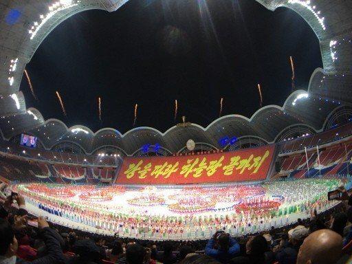 北韓為慶祝70周年重啟「輝煌的祖國」參演大型團體操與藝術表演,共有10萬人參演。...