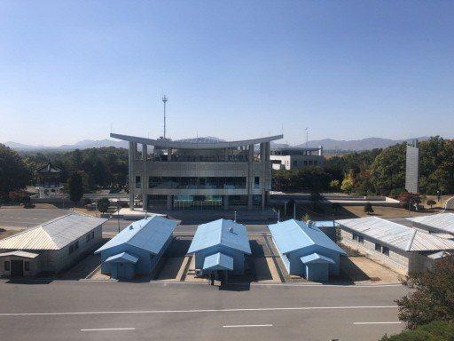 南北韓板門店共同警備區(JSA)最快本月可完全非武裝化,今年內南北韓民間人士和外...