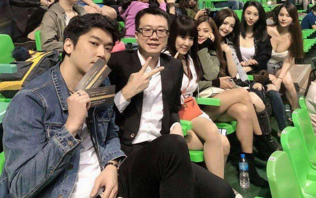 羅霈穎(前排左三)日前欣賞瑪莉亞凱莉演唱會。圖/摘自羅霈穎臉書