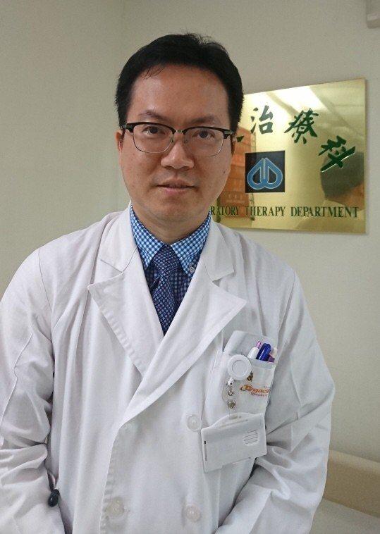 北榮胸腔部呼吸治療科柯信國醫師說, 流感疫苗跟肺炎鏈球菌疫苗可以一起打,來產生附...