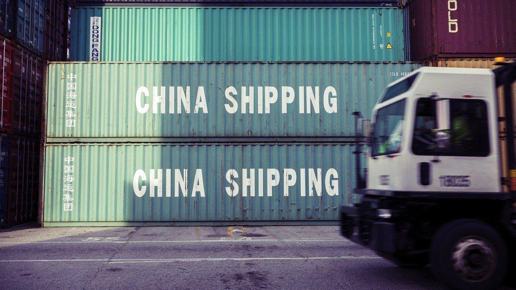 依照預測,2030年中國經濟總量將超越美國,成為世界第一。USMCA代表的制度戰...