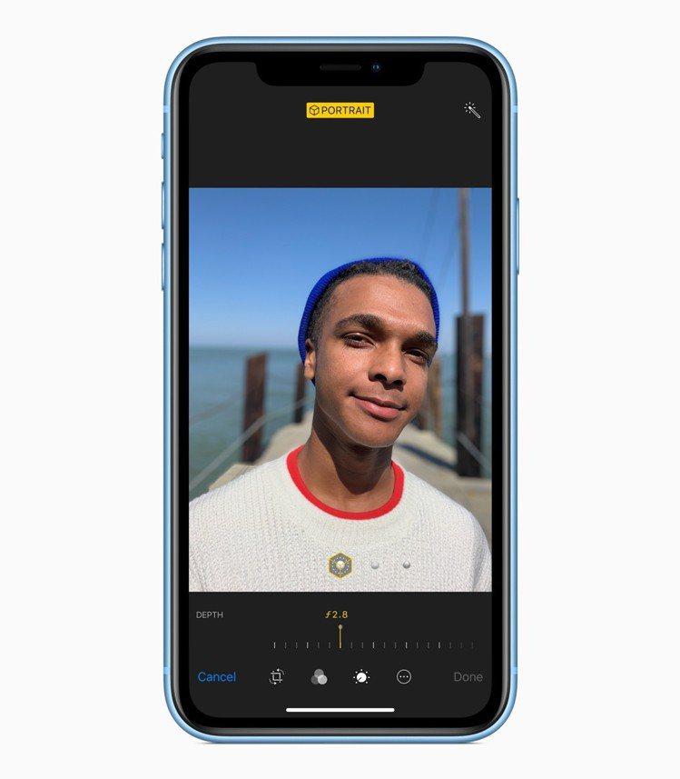 iPhone XR自拍後也能再編輯調整景深。圖/蘋果提供