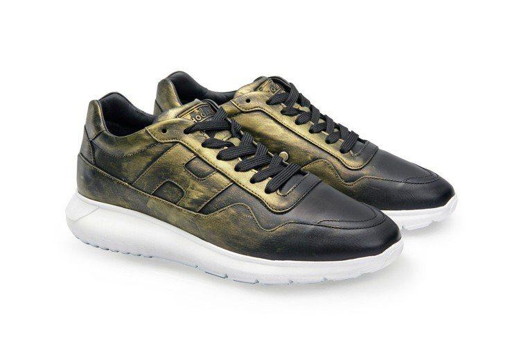 台北101限定款-HOGAN金屬刷色男士休閒鞋,18,300元。圖/迪生提供