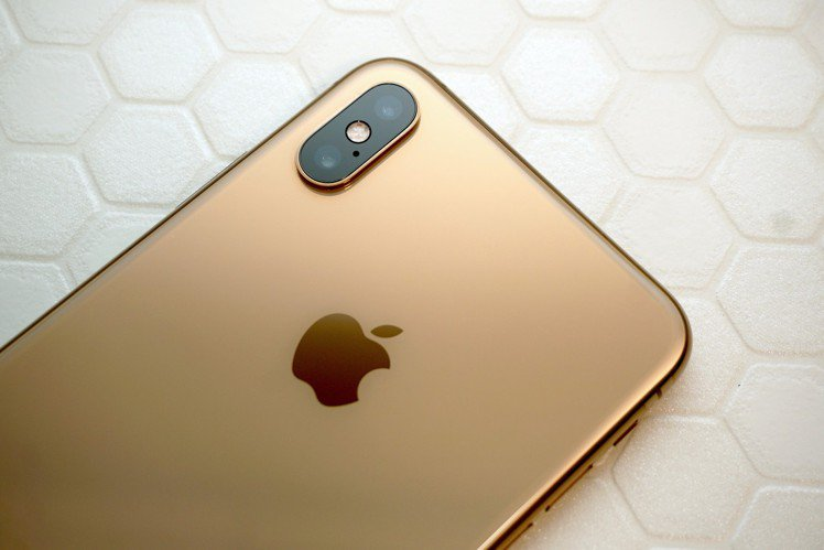 iPhone XS系列雙鏡頭可運用的拍攝模式更多。圖/記者黃筱晴攝影