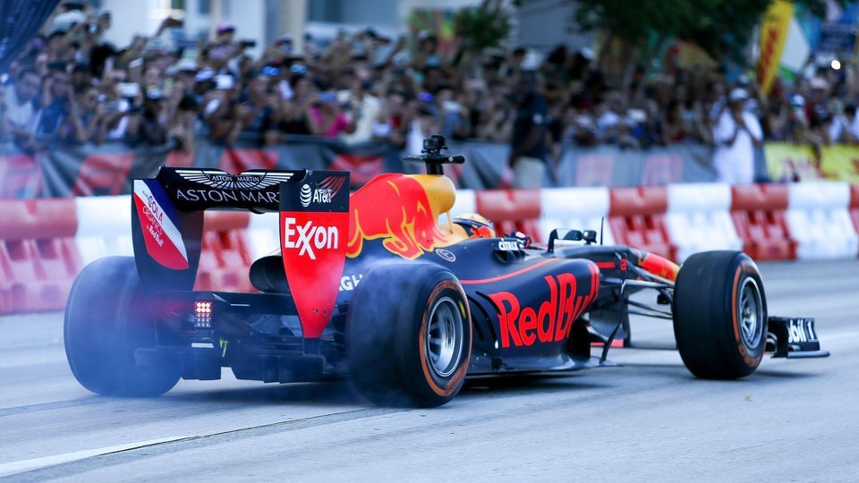 由於Ricciardo下季轉戰Renault,所以Red Bull的輪胎測試他也...