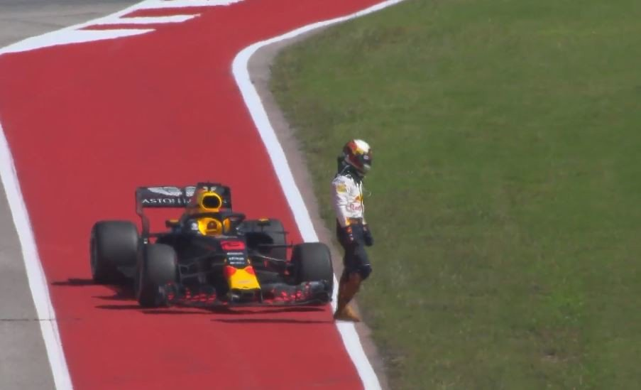 Ricciardo現在的心情應該就和美國GP退賽時一樣糟。 摘自F1