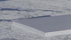 影/厚片蛋糕?NASA在南極拍到冰山「完美切割」
