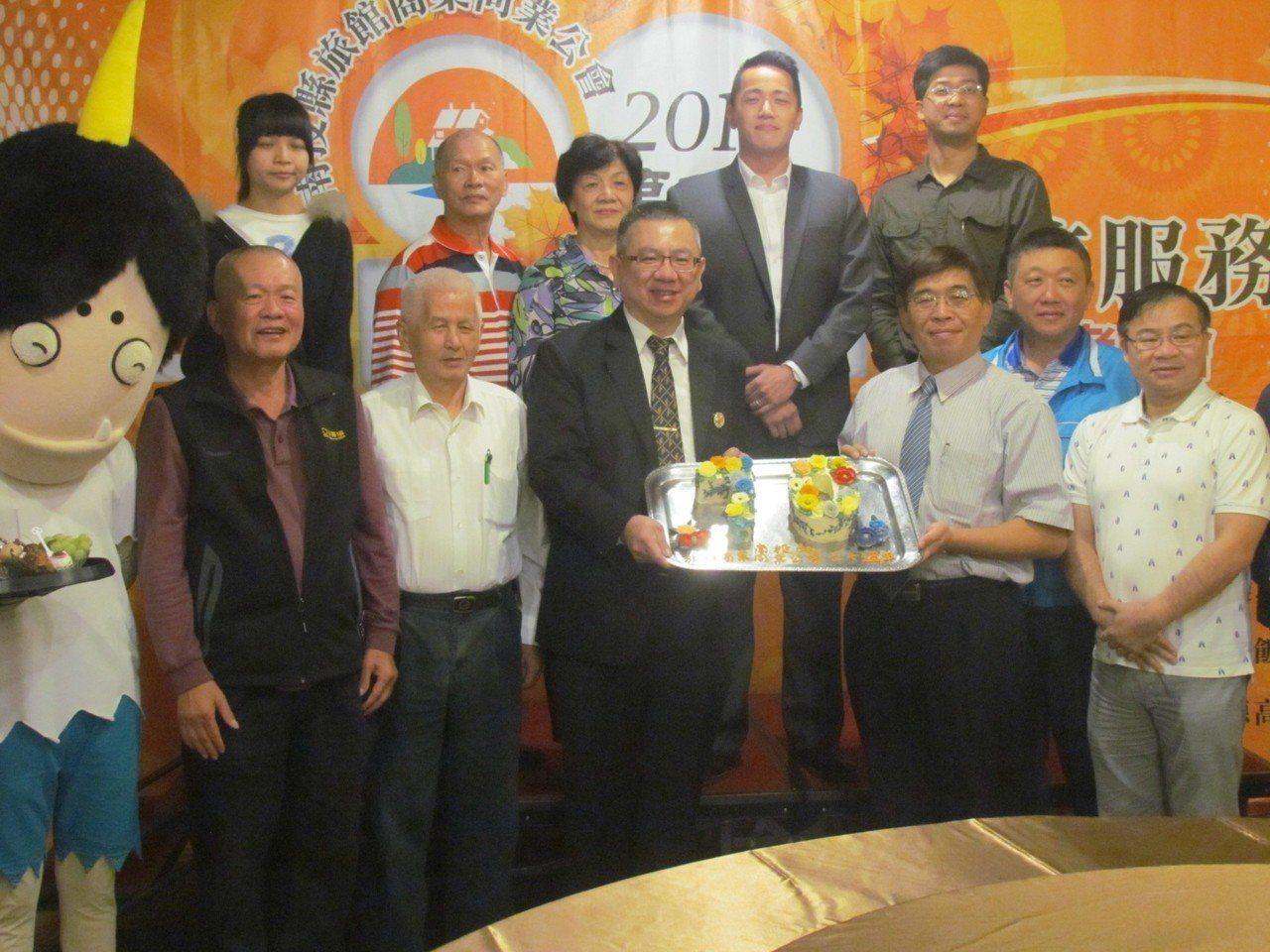 南投縣旅館商業同業公會今天慶祝成立70周年。記者張家樂/攝影